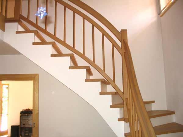 schreinerei anton krug in riedering der spezialist f r holztreppen betontreppen gewendelte. Black Bedroom Furniture Sets. Home Design Ideas